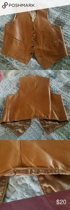 Leather Vest Hurleys House of Leather -a few little flaws nothing serious- 3rd picture shows where the bottom is turned up from running on back of jeans - picture 4 shows slight tear in leather There is no size tag- Can fit Large or XL Man or Woman Hurleys House of Leather Jackets & Coats Vests