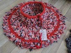 Carpeta en totora y canasta