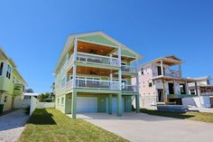 Across the street from the turquoise waters and sugar white beaches of Tampa Bay, this beautiful and completely renovated beach home gives you an opportunity to sit back and enjoy an unobstructed view of Tampa Bay. ...