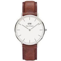 Daniel Wellington Classic St. Mawes Leather Strap Watch