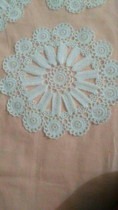 Table Covers, Rugs, Crochet, Blog, Home Decor, Crochet Hooks, Farmhouse Rugs, Decoration Home, Room Decor
