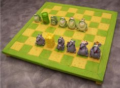 Frogs and Mice Chess Set