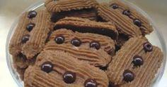 Cokelat terbuat dari proses olahan biji kakao dan sering disebut dengan theobroma cacao. Pertama kali cokelat ini dikonsumsi oleh pendu... Delicious Cookie Recipes, Yummy Cookies, Cake Cookies, Cake Recipes, Dessert Recipes, Chocolate Cookies, Chocolate Recipes, Gluten Free Almond Cookies, Mochi Cake