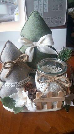 Arlene Hartley's media content and analytics Christmas Makes, Noel Christmas, Homemade Christmas, Rustic Christmas, Winter Christmas, Felt Christmas Decorations, Felt Christmas Ornaments, Christmas Inspiration, Holiday Crafts