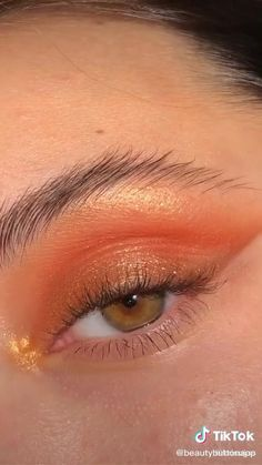 Edgy Makeup, Makeup Eye Looks, Eye Makeup Art, Natural Eye Makeup, Skin Makeup, Eyeshadow Makeup, Creative Eye Makeup, Glow Makeup, Makeup Brushes