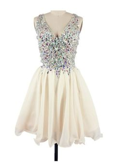 Sexy a Line Crystal See Through Tulle V Neck Short Prom Homecoming Dress
