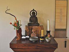 japanese meditation altar - Buscar con Google
