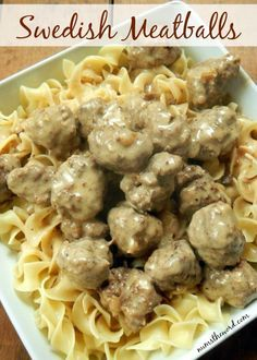 *VIDEO* Swedish Meatballs - If you love IKEA's meatballs, then watch out! These are better in my opinion and oh so tasty! Make a double batch and freeze half for later! Pasta Recipes, Beef Recipes, Dinner Recipes, Cooking Recipes, Cheap Recipes, Barbecue Recipes, Top Recipes, Burger Recipes, Cooking Tips