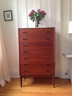 Mid century modern dresser in Carroll Gardens, Brooklyn ~ Apartment Therapy Classifieds