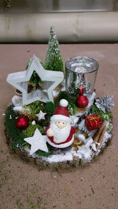 New Collection Of Easy Christmas Decorations Sumcoco Christmas Table Centerpieces, Easy Christmas Decorations, Xmas Wreaths, Centerpiece Decorations, Christmas Candles, Christmas Wood, Simple Christmas, Christmas Projects, Christmas Ornaments