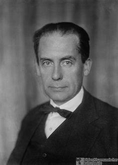 Expatriados: Walter Gropius (1883-1969). Arquitecto, urbanista y diseñador. Fundador de la Bauhaus. http://es.wikipedia.org/wiki/Walter_Gropius