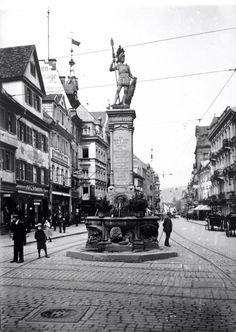 Bertoldsbrunnen Freiburg - Eine schöne Darstellung des alten Bertoldsbrunnen. Die Aufnahme dürfte etwa zwischen 1900 und 1920 entstanden sein. Vielen Dank für dieses tolle Bild an unseren Fan Jürgen Kniebühler   /*  */