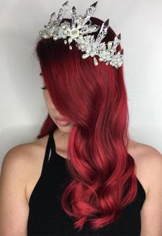 How to Choose the Best Red Hair Color for Your Skin Tone red hair styles 63 Hot Red Hair Color Shades to Dye for: Red Hair Dye Tips & Ideas Best Red Hair Dye, Red Ombre Hair, Dyed Red Hair, Hair Color Auburn, Hair Color Pink, Hair Color Highlights, Cool Hair Color, Burgundy Hair, Color Red