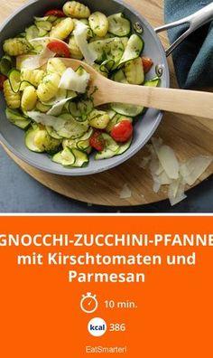 Gnocchi-Zucchini-Pfanne - mit Kirschtomaten und Parmesan - smarter - Kalorien: 386 kcal - Zeit: 10 Min. | eatsmarter.de