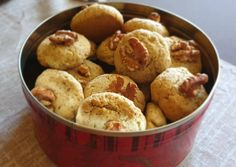 Amerikai diós cookies   Oláh Timea receptje - Cookpad receptek Creative Cakes, Cookie Jars, Cake Recipes, Biscuits, Muffin, Cookies, Breakfast, Christmas, Dios