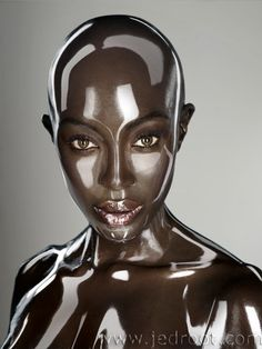 A Stunning Work of Makeup Artistry on Naomi Campbell 2012
