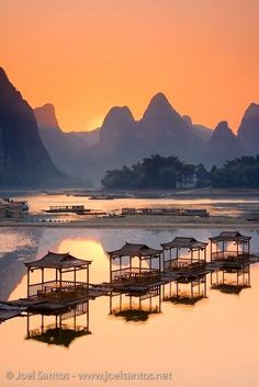 Xing Ping, Guilin, Guangxi, China by Joel Santos