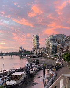 "The London Agent on Instagram: ""And this is why we live in London!  thelondonagent.co.uk rentals@thelondonagent.com +44 (0)203 0121 809  #ilovelondon #letsgo #travelplans…"" Extended Stay, World Cities, Anything Is Possible, Come And See, San Francisco Skyline, Letting Go, New York Skyline, Stuff To Do, London"