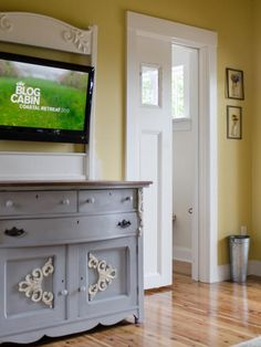Donna's Bedroom - pocket door w/frosted panes. Airy Bedroom, Master Bedroom, Bedroom Decor, Master Bath, Custom Bed Frame, Glass Pocket Doors, Closet Remodel, Bedroom Pictures, House Doors