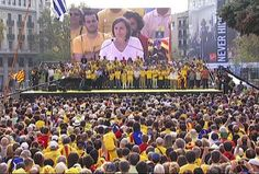 L'ANC subscriu la llista unitària abans de la conferència de Junqueras - vilaweb.cat, 01.12.2014. La presidenta de l'ANC, Carme Forcadell, va demanar ahir a ERC que estigués oberta a arribar a acords sobre la llista unitària, una petició que feia extensiva a la resta de partits sobiranistes. 'Que siguin conscients del moment que vivim', deia en una entrevista a Catalunya Ràdio.