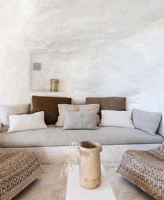 Al' Natural will forever speak to my design soul. It does not need to classify as any one design genre, yet it falls into all. Interior Design Living Room, Living Room Decor, Living Spaces, Living Rooms, Interior Design Inspiration, Home Decor Inspiration, Decor Ideas, Ibiza, Home Bedroom