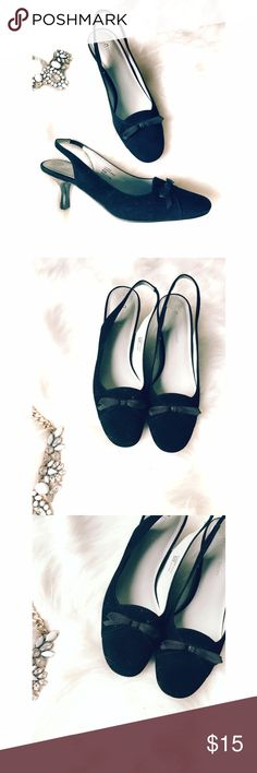 🌷Last Chance🌷Etienne Aigner Black Heels Cute little black slingbacks with bows on the front. Made of leather on the upper sole. In great condition. The heel is small (kitten heel) Etienne Aigner Shoes Heels