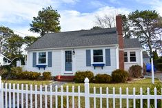 New to our 2020 inventory! 2 bedroom home, Walking distance to shared, private beach