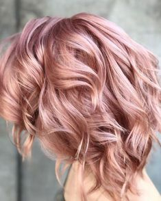 Picture of a pink champagne rose gold hair - Hair ideas - Frisuren Blond Rose, Rose Gold Hair Blonde, Ombre Hair, Rose Gold Short Hair, Rose Gold Toner Hair, Dusty Rose Hair, Rose Pink Hair, Rose Golf Hair, Pink Champagne Hair Color