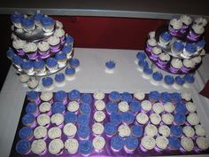 """Class Reunion Dessert Idea - Bake or buy cupcakes with frosting in your school colors. Arrange cupcakes in darker/brighter color in shape of your graduating year. Fill in the """"background"""" with lighter frosted color."""