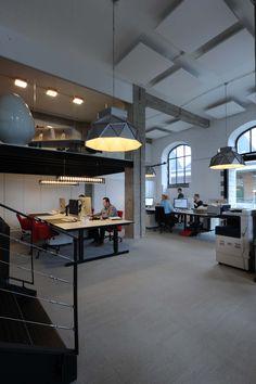 EDGAR APOLLO SPINE DARK / design / lighting / darling #DARK office Demonstr8 d8 Tour&Taxis Brussel BE