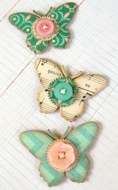 La dernière édition de mes embellissements papillon. Aggloméré de découpées, qui est ensuite posée avec beaux papiers Design, papier à musique