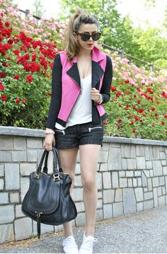 Scent of Obsession - Fashion Blogger: Look of the day: A touch of pink