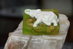 Smaragdový slon | Zobrazit plnou velikost fotografie