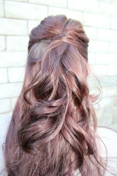 How to: Half up Hairstyle