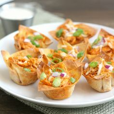 Buffalo Chicken Cups Recipe Appetizers with wonton wrappers canola oil salt chicken breasts unsalted butter franks brown sugar apple cider vinegar mozzarella cheese scallions purple onion ranch dressing Appetizer Recipes, Snack Recipes, Cooking Recipes, Snacks, Fast Recipes, Chicken Cups Recipe, Chicken Recipes, Soy Chicken, Rotisserie Chicken