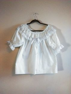 Vintage Malco Modes White Lace  Ruffle Top / Women's Size M / White Peasant  Blouse / Off Shoulder  / Puffy Sleeves /Romantic / Renaissance by JulesCristenVintage on Etsy