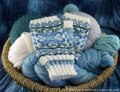 These cute fingerless gloves are inspired by traditional Selbu mittens. The construction differs from the historical mittens and uses a thumb gusset on the side of the hand instead of … Loom Knitting, Knitting Socks, Knitting Patterns Free, Hand Knitting, Free Pattern, Stitch Patterns, Knitting Tutorials, Hat Patterns, Crochet Pattern