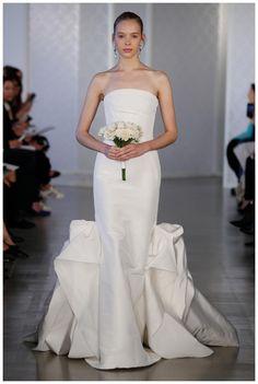 Wedding dress by Oscar de la Renta from the Spring 2017 Bridal collection. Image courtesy of Oscar de la Renta.