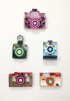 Paper quilling Camera collection by Hyvoky on Etsy Más Paper Quilling Cards, Paper Quilling Flowers, Paper Quilling Tutorial, Paper Quilling Jewelry, Quilled Paper Art, Paper Quilling Designs, Quilling Paper Craft, Quilling Patterns, Paper Crafts