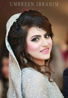 Pakistani brides...Umbreen Ibrahim photography Bridal Beauty, Wedding Beauty, Bridal Hair, Wedding Bride, Wedding Hijab Styles, Pakistani Wedding Outfits, Bridal Outfits, Pakistani Bridal Makeup Hairstyles, Wedding Hairstyles