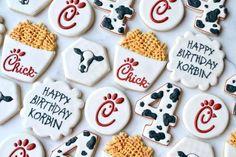 Birthday cookies, decorated cookie birthday, chick fil a cookies Cow Cookies, Fancy Cookies, Royal Icing Cookies, Cupcake Cookies, Cupcakes, 13 Birthday Cake, 13th Birthday Parties, Birthday Cookies, 4th Birthday