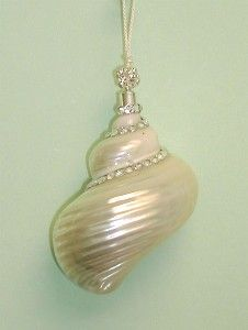 pretty shell decoration!.    Shells for NJ Shores  pinterest.com/hollybess/shells-for-nj-shores/