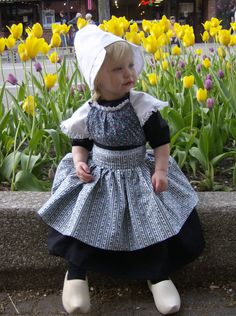 Dutch flower girl outfit complete with wooden shoes. Zij is Dutch :)