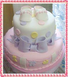 torta de bautizo en masa de chocolate y seminovia