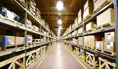 Fittings for industrial halls and warehouses LED | FOSTER