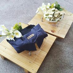Pallet wedding tray with fresh flower deco