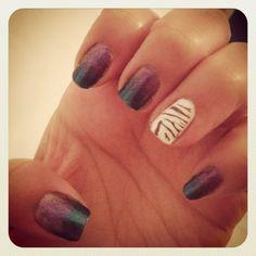 Gradient manicure with zebra print signature nail
