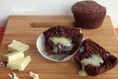 Muffin al cacao con cuore di cioccolato bianco
