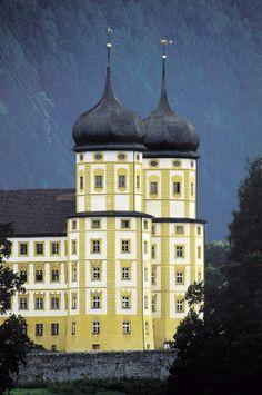 Zisterzienser Stift Stams in Tirol Tirol Austria, Vienna Austria, Visit Austria, Invisible Cities, Heart Of Europe, Innsbruck, Central Europe, Beautiful Buildings, Kirchen