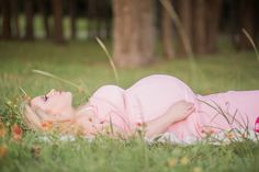 Outdoor Maternity Photo Session in Wildflowers [TheNewlywedPilgrimage.com]